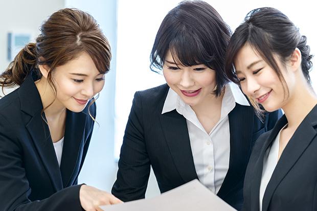 「このままでいいのかな…」事務職が抱える人間関係や給料の悩み、将来に対する不安解消のための5つのヒント_1