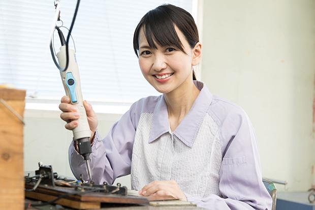 工場勤務は女性も多い!?女性が活躍している製造の仕事の現場を解説_2