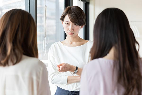 職場の人間関係がストレスの原因!?先輩社員との付き合い方を徹底調査!