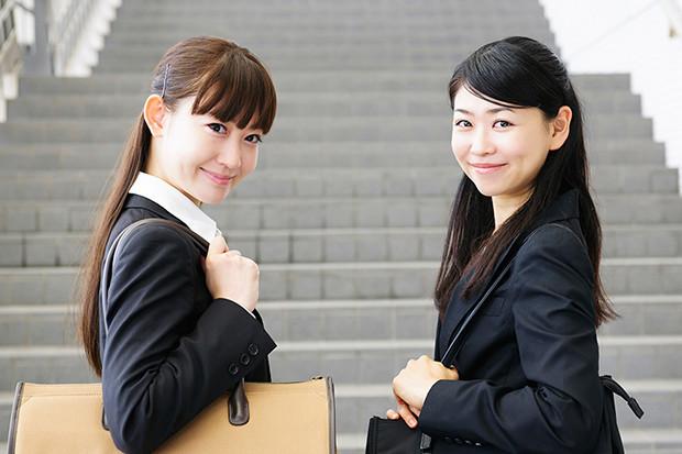 20代、30代の「事務職」のみなさん、100人に聞きました!「社内恋愛事情」「ストレスを感じる人間関係の相手」「勤める前後のイメージ変化」リアル調査