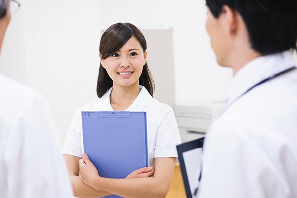 20代、30代の「医療・介護職」のみなさん、100人に聞きました!「仕事のやりがい」「苦労・悩み」「人間関係のストレス」リアル調査