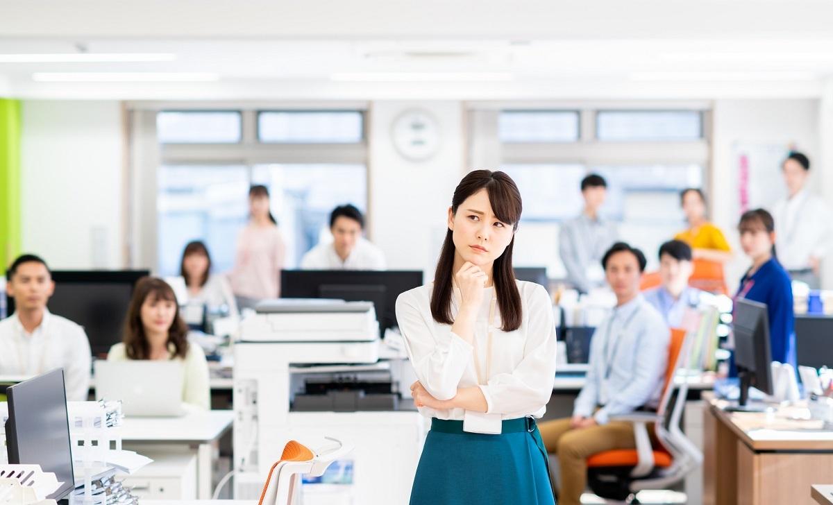 パワハラ上司に逆ギレ新人、時間にルーズな同僚… 職場で一緒に働きたくない人!