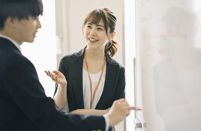 褒めスキルで人間関係を円滑に!職場で役立つ「褒め上手」になるコツ_2