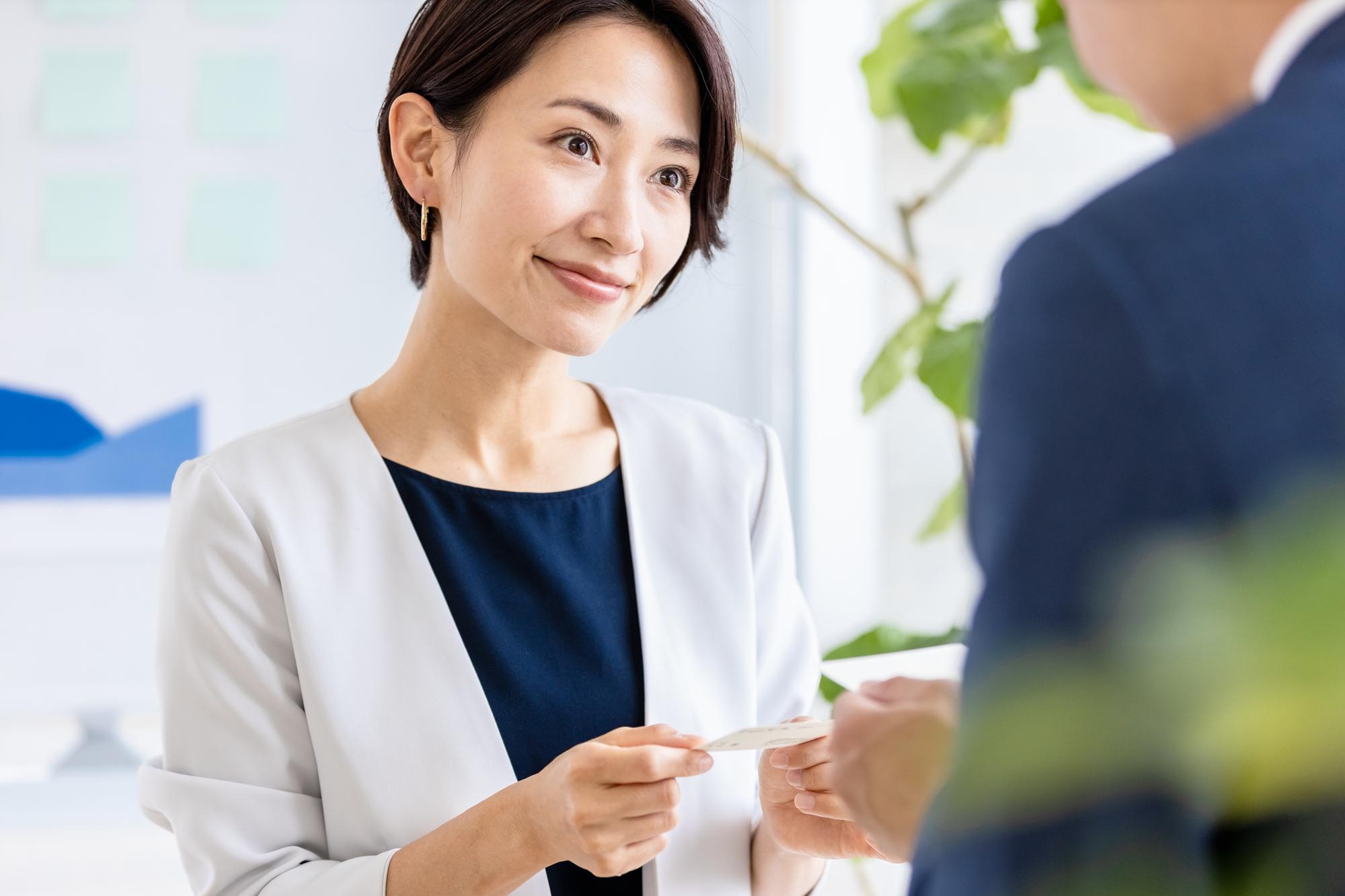 新しい働き方には必須。ビジネスマン注目のオンライン名刺交換とは_2