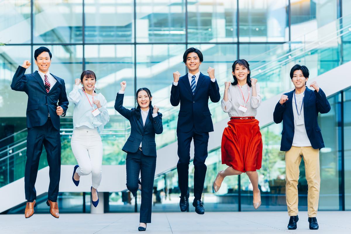 チームビルディングとは? 目的や方法、研修事例を紹介