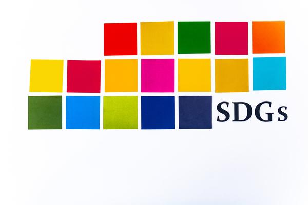 今注目のSDGsとは? 企業のメリットや注意点、取り組み事例を紹介
